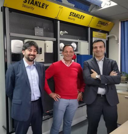 De izquierda a derecha. Alfonso Mata, Oliver León, Miguel Ángel Gimeno
